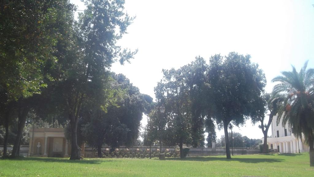 roma-villa-torlonia-back-gardens-architecture-aug13