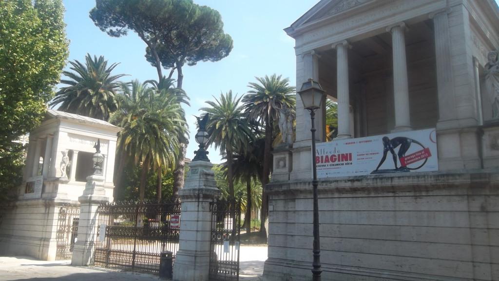 roma-villa-torlonia-entrance-aug13