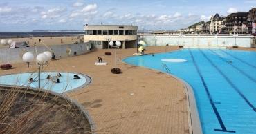 trouville-sur-mer-centre-aquatique-pool-and-beach-aug18