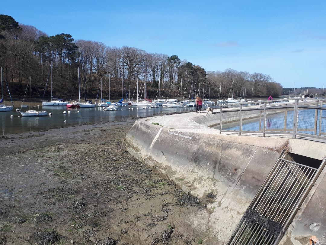 vannes conleau channel to port and pool mar21