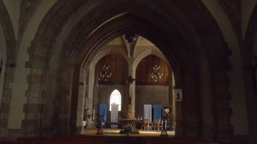 baud-ch-st-pierre-altar-jul13