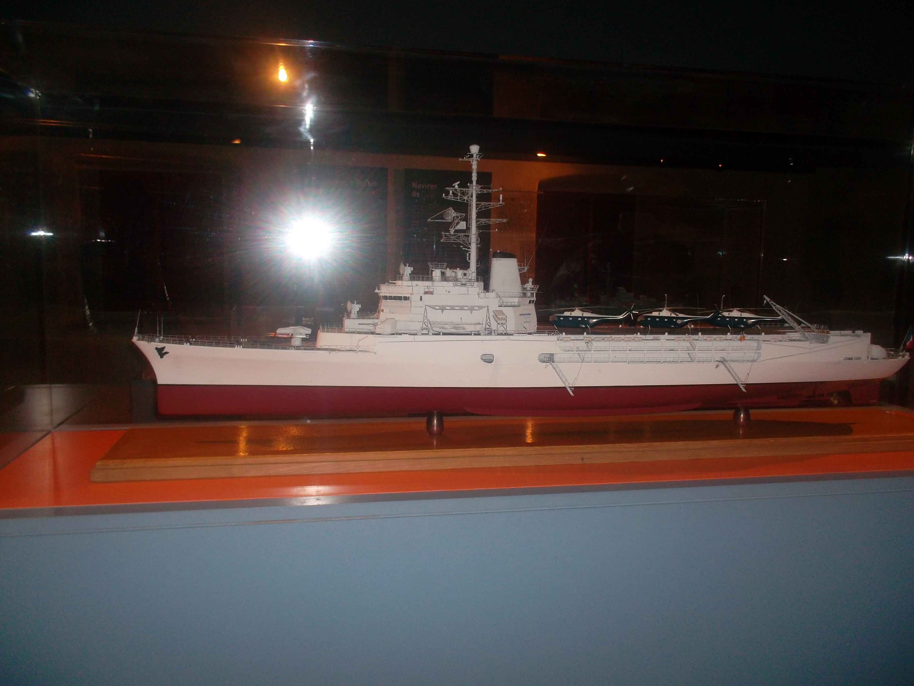 brest-mus-marine-ship-and-helicos-nov13