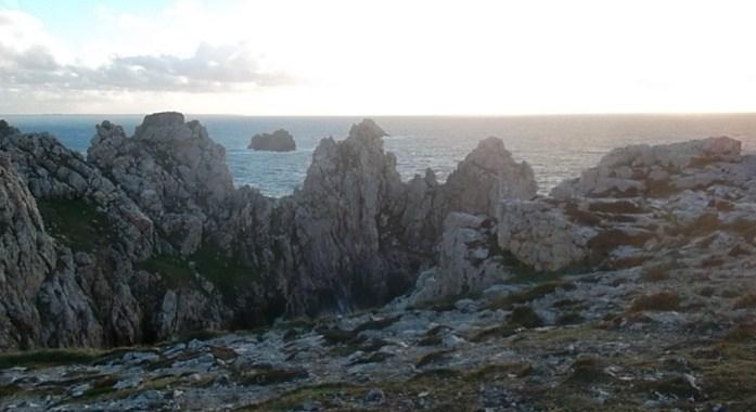 camaret-s-m-cliffs-off-atlantic-wall-mem-nov12
