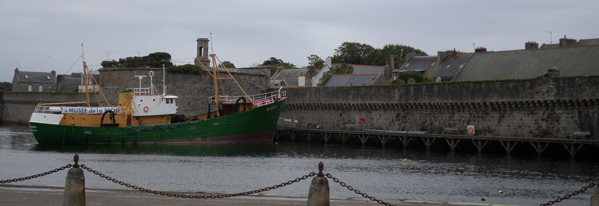 concarneau-to-ville-close-and-boat-hermione-mu-de-la-peche-oct14