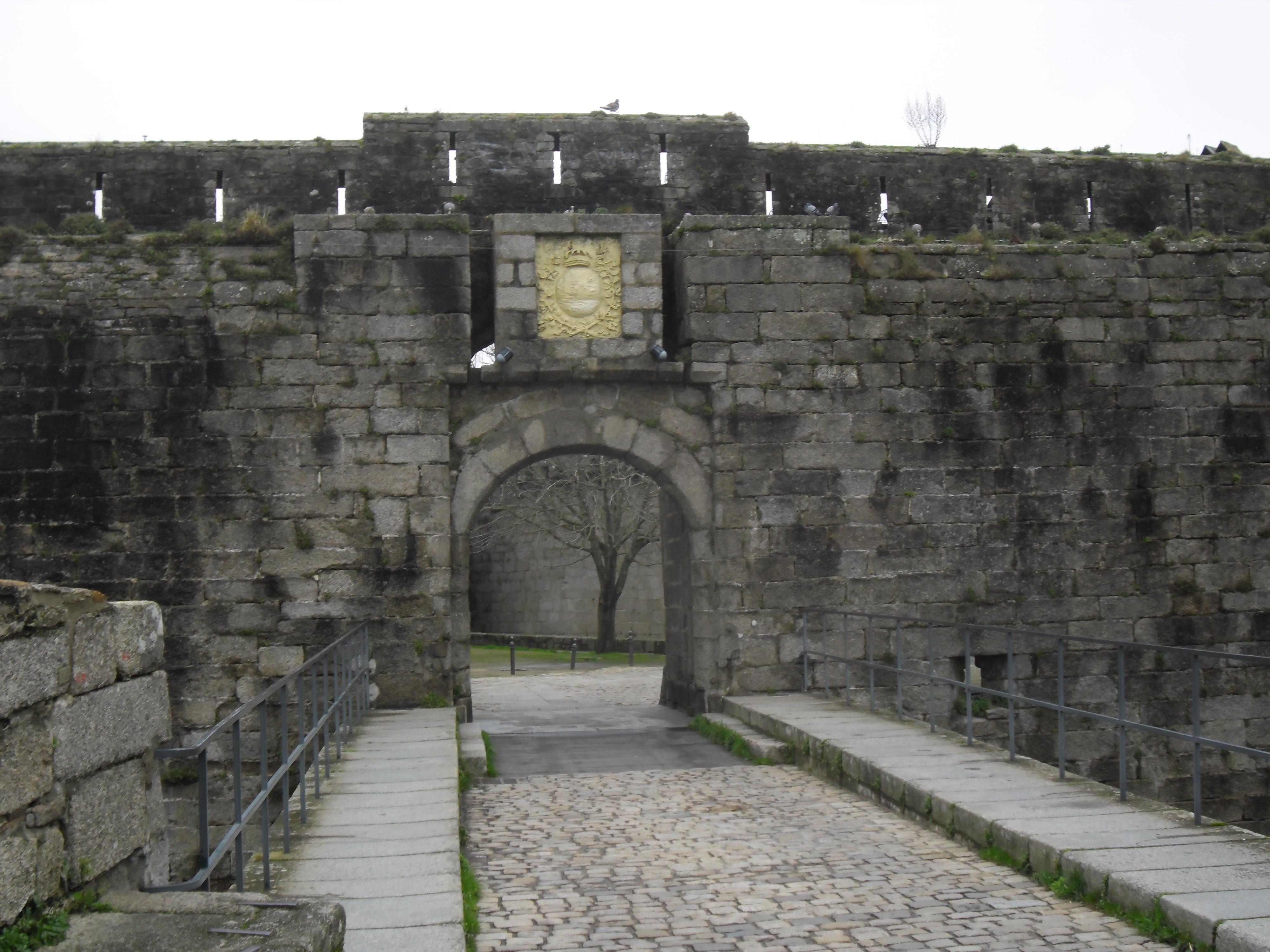 concarneau-ville-close-entrance-jan13
