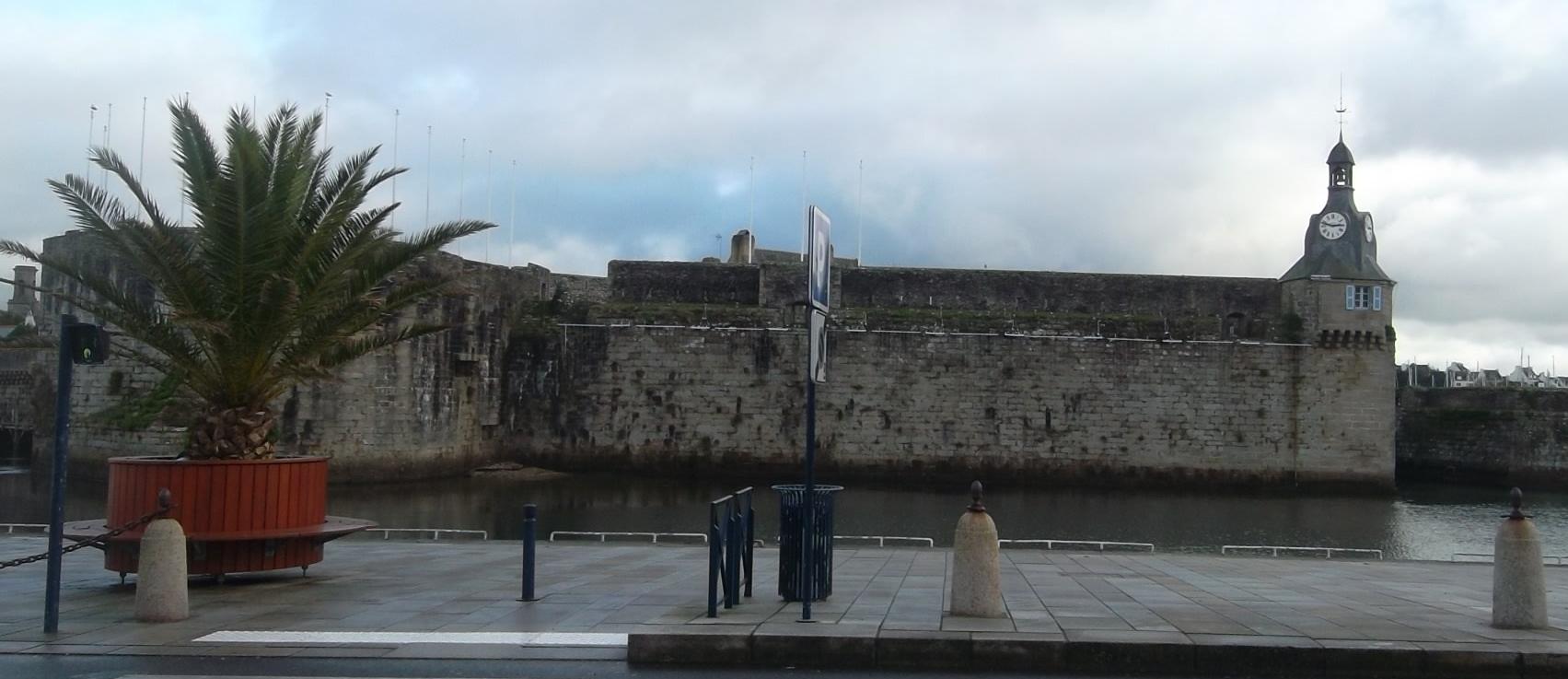 concarneau-ville-close-fortress-old-city-jan11