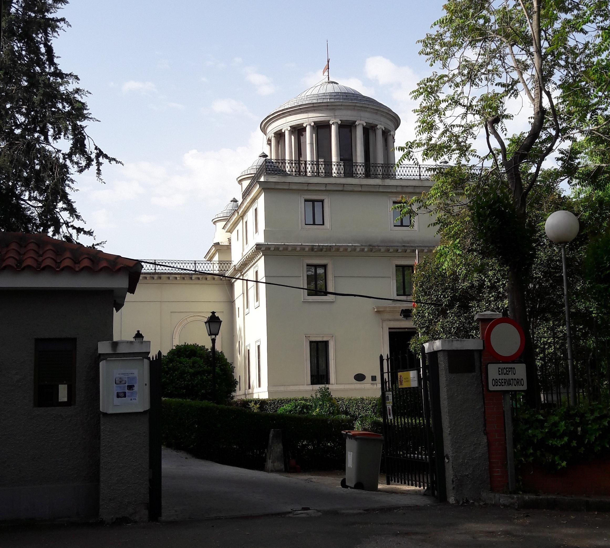 mad-observatorio-astronomico-cupole-apr17