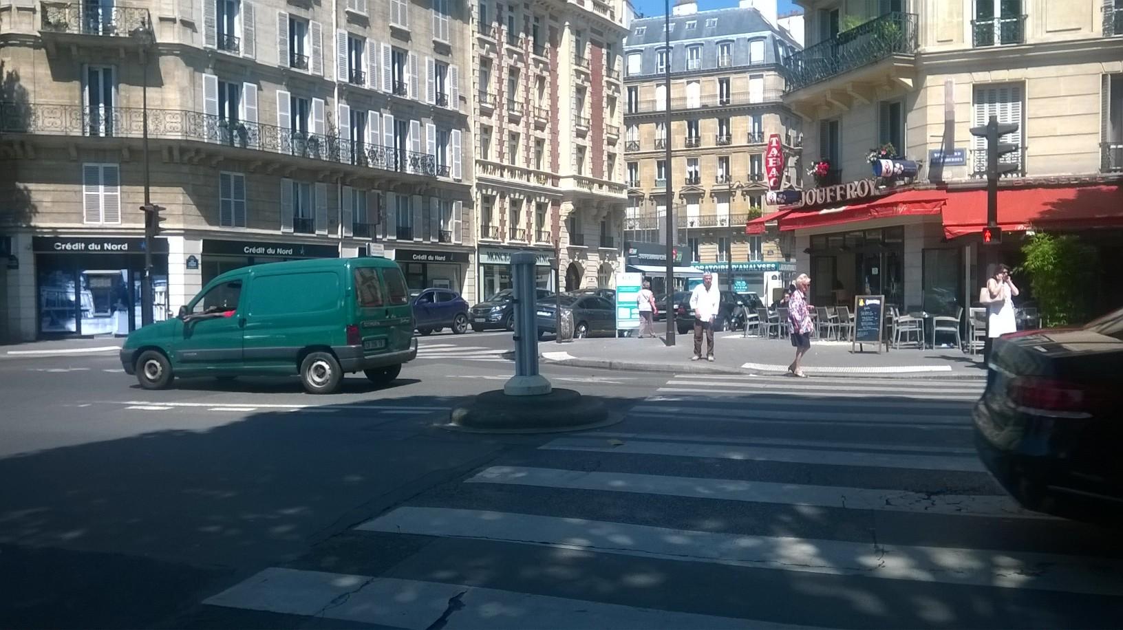 paris rue Jouffroy d'Abbans to cap hispania jul16