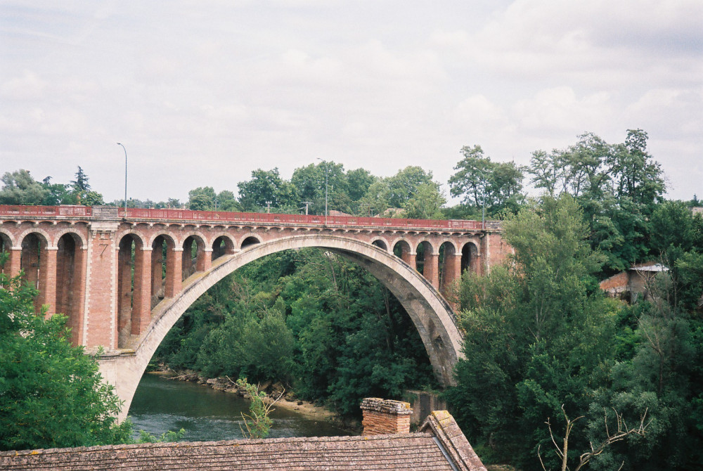 rabastens-pont-vieux-over-the-tarn-river