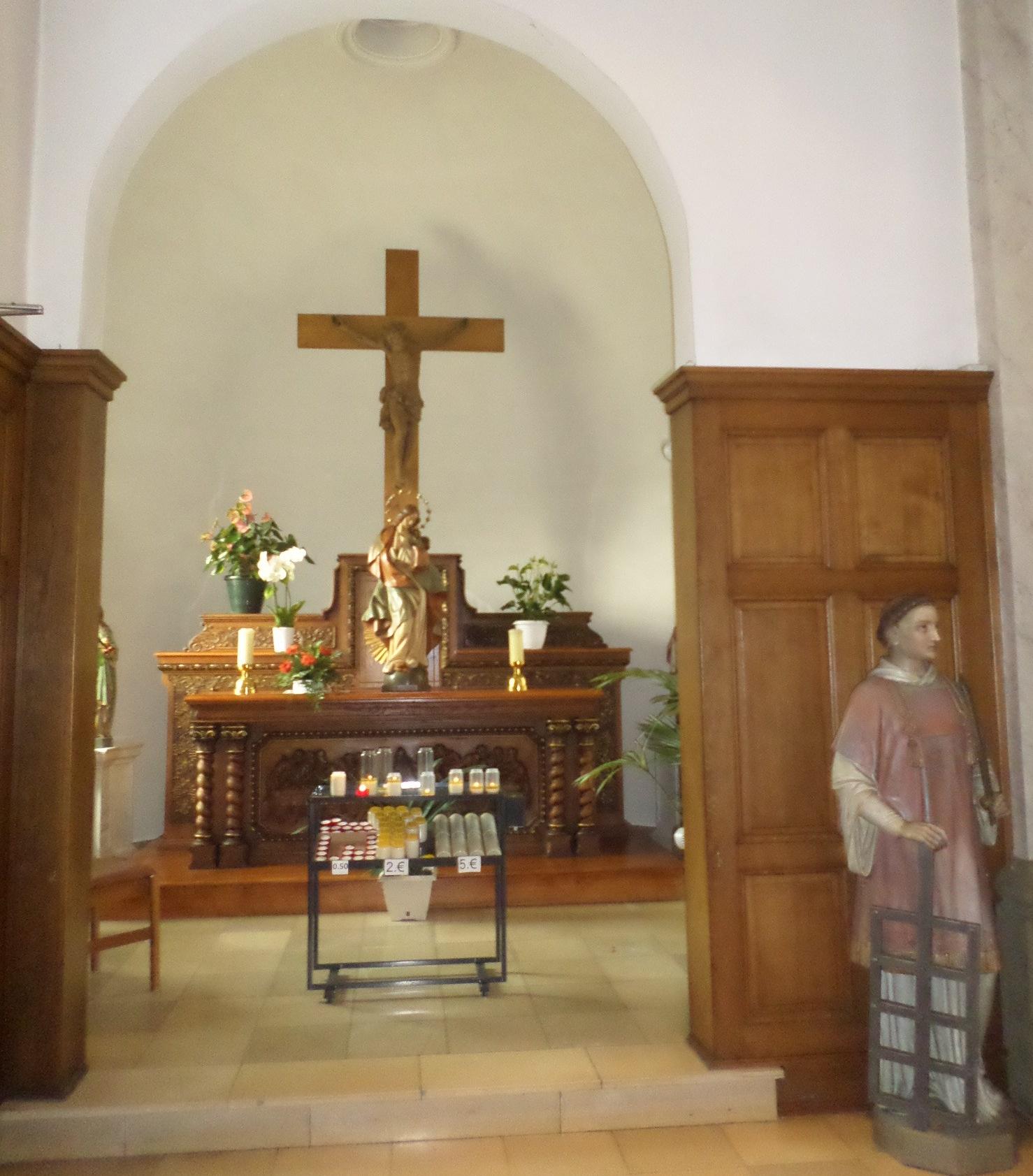 remich-ch-st-laurent-et-st-stephan-chapel-altar-aug15