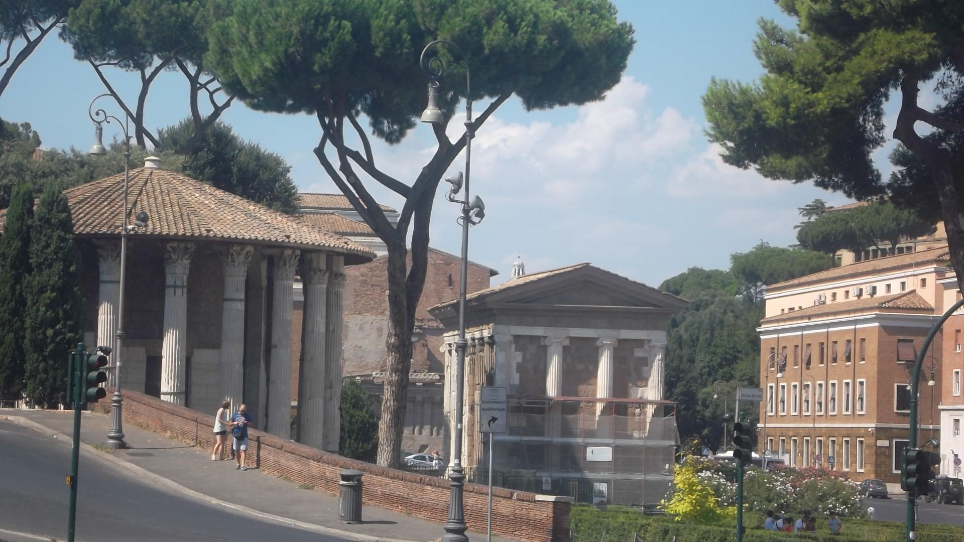 roma-temples-di-fortunus-et-ercole-vincitore-aug13
