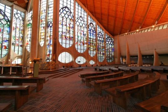 rouen-church-of-sainte-jeanne-darc-interior-feb09