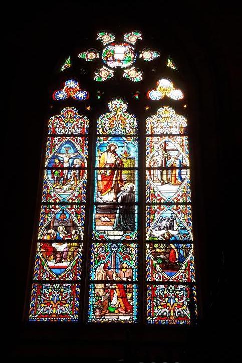 vannes-cat-st-pierre-sacre-coeur-chapel-stained-glass-mar19