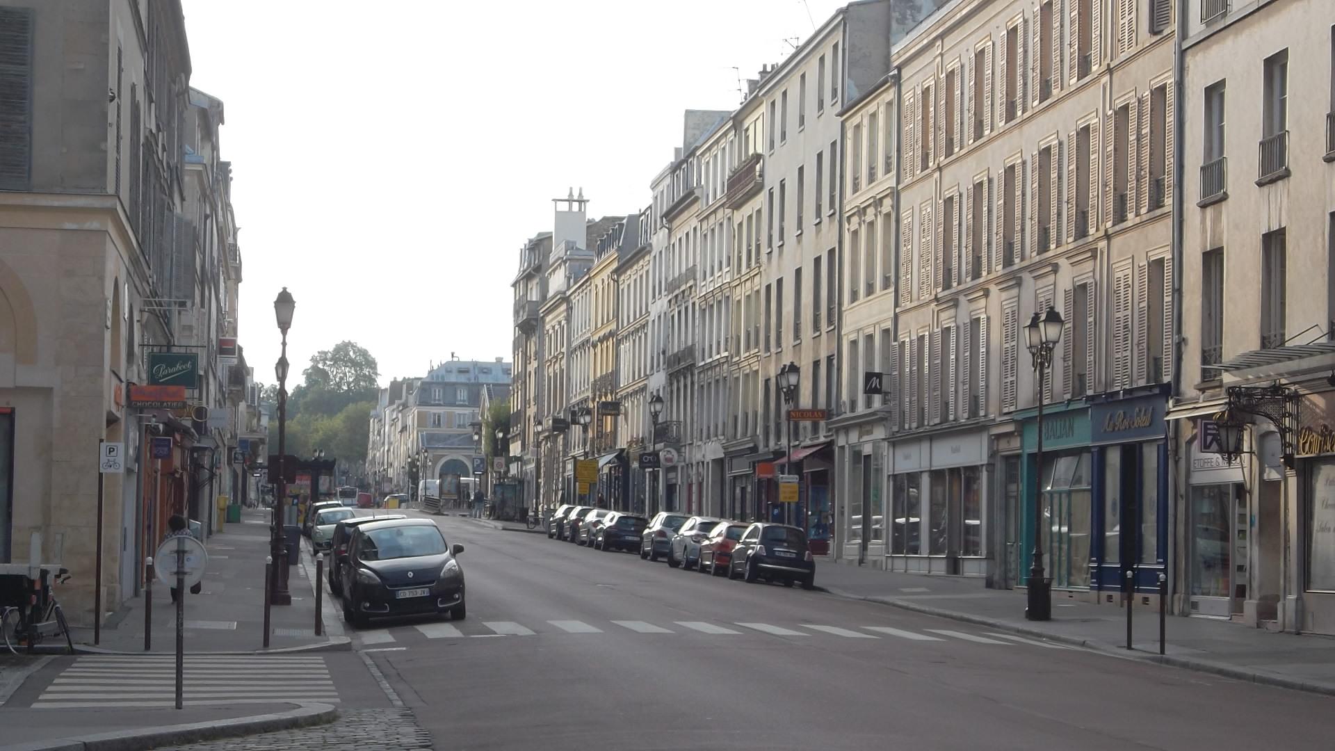 Versailles-rue-de-la-paroisses-to-market-nd-aug12