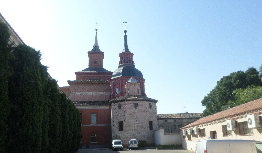 alcala-capilla-de-las-santas-formas-side-pl-san-lucas-aug17