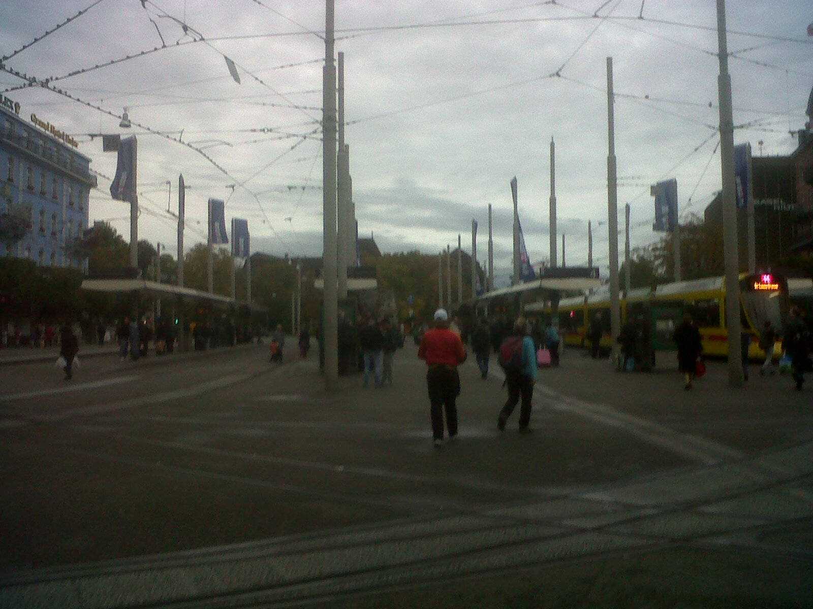 basel-gare-walking-out-to-city-oct13