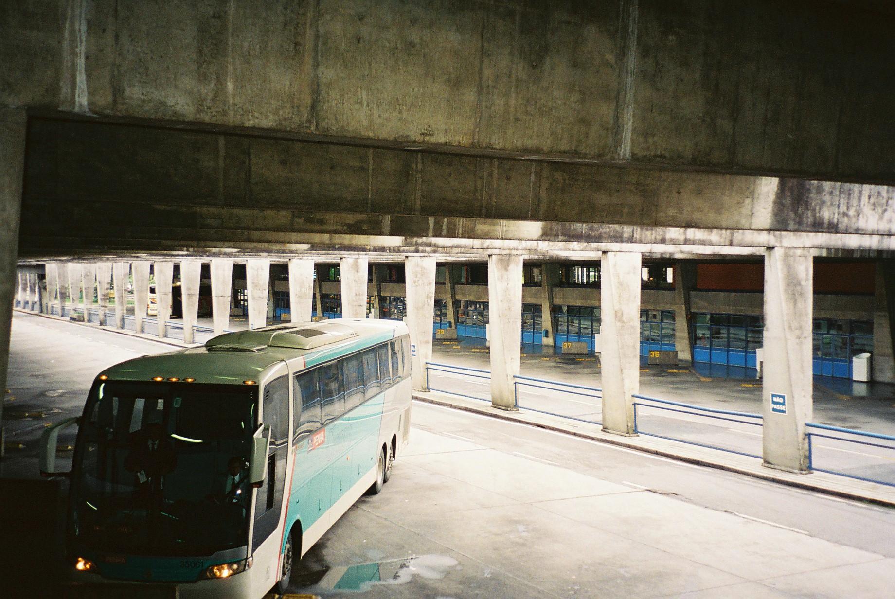 curitiba rodoferroviaria bus parking jul08
