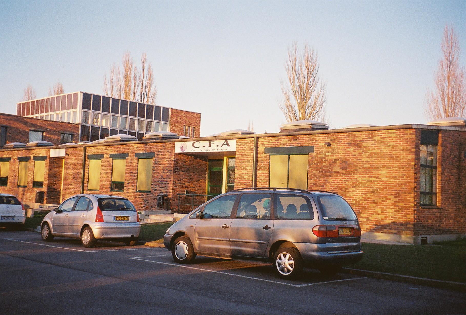 la-verriere-cfa-affida-noels-school-front c2010