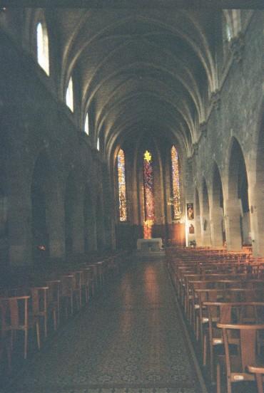 les mureaux ch nave to altar aug10