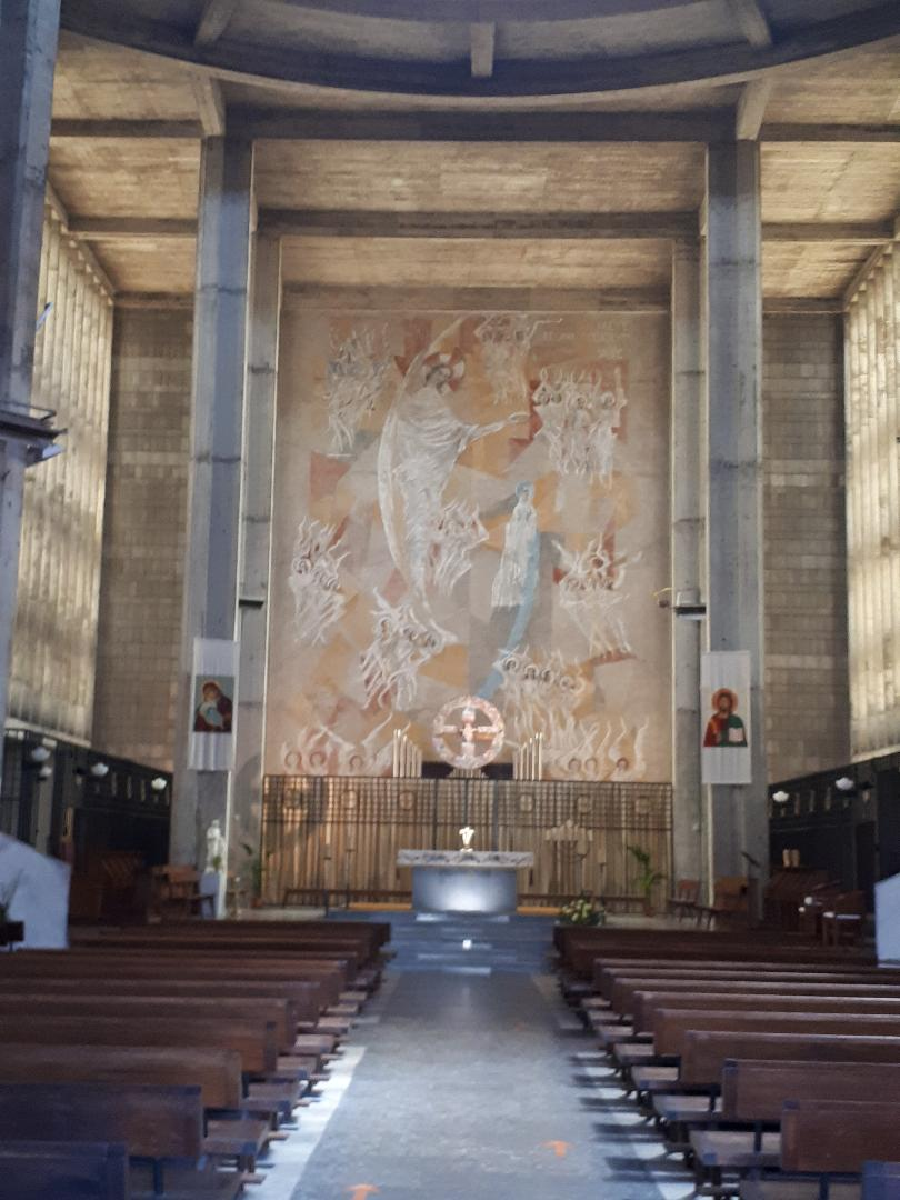 lorient ch St Louis nave to altar may21