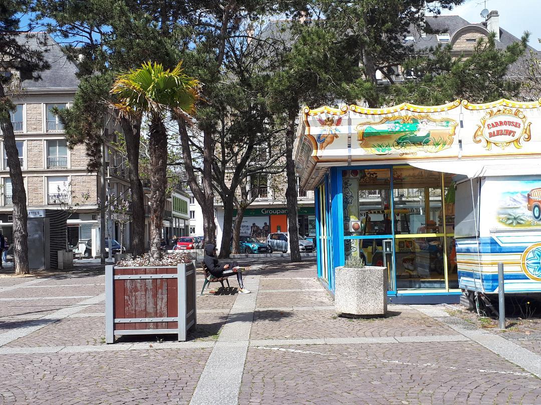 lorient pl alsace lorraine carrousel bus depot may21