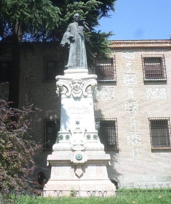 madrid-mon-real-de-la-encarnacion-statue-lope-de-vega-plaza-de-la-encarnacic3b3n-1-aug19