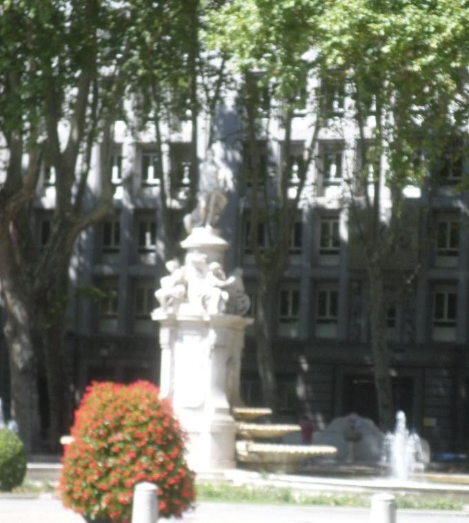 madrid-paseo-del-prado-fuente-de-apolo-o-cuatro-estaciones-aug19