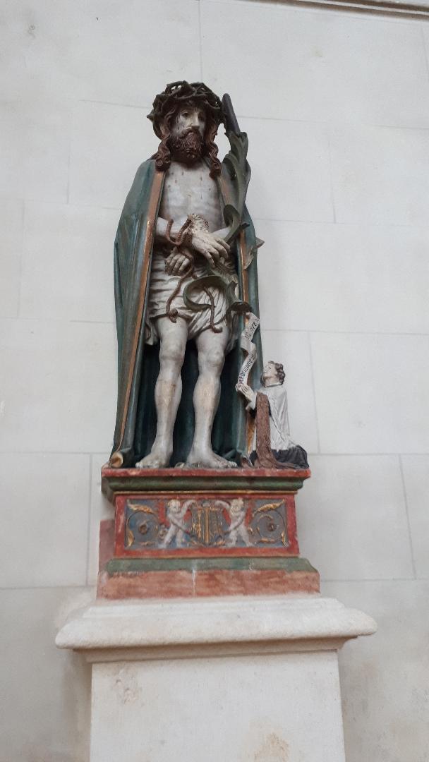 meaux cat st etienne statue Christ dec18