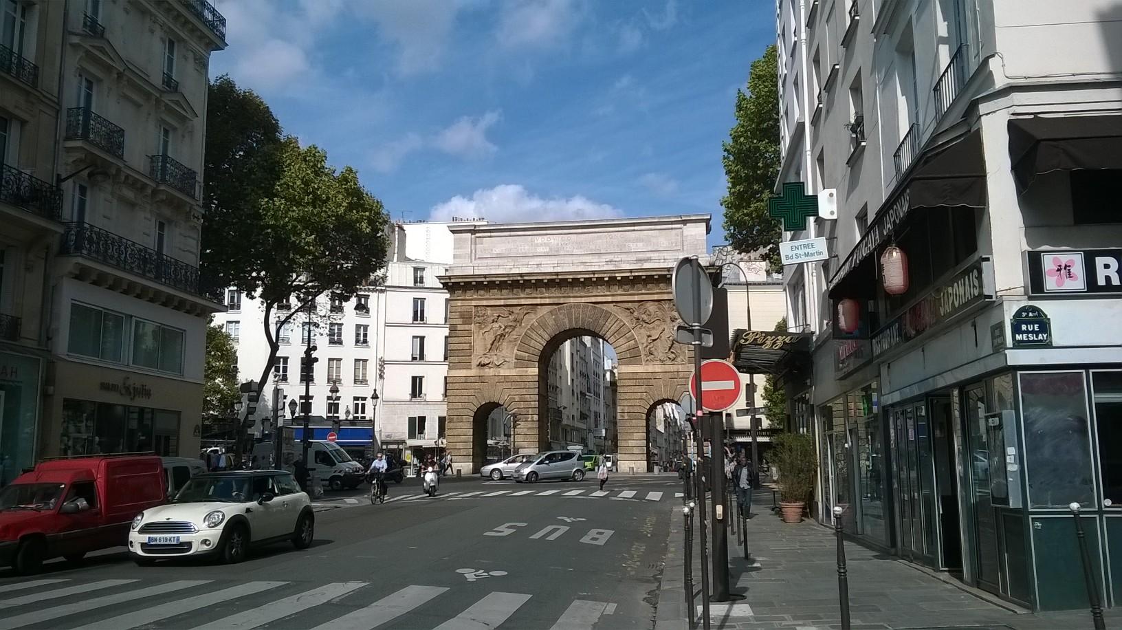 paris-porte-saint-martin-closer-sept15