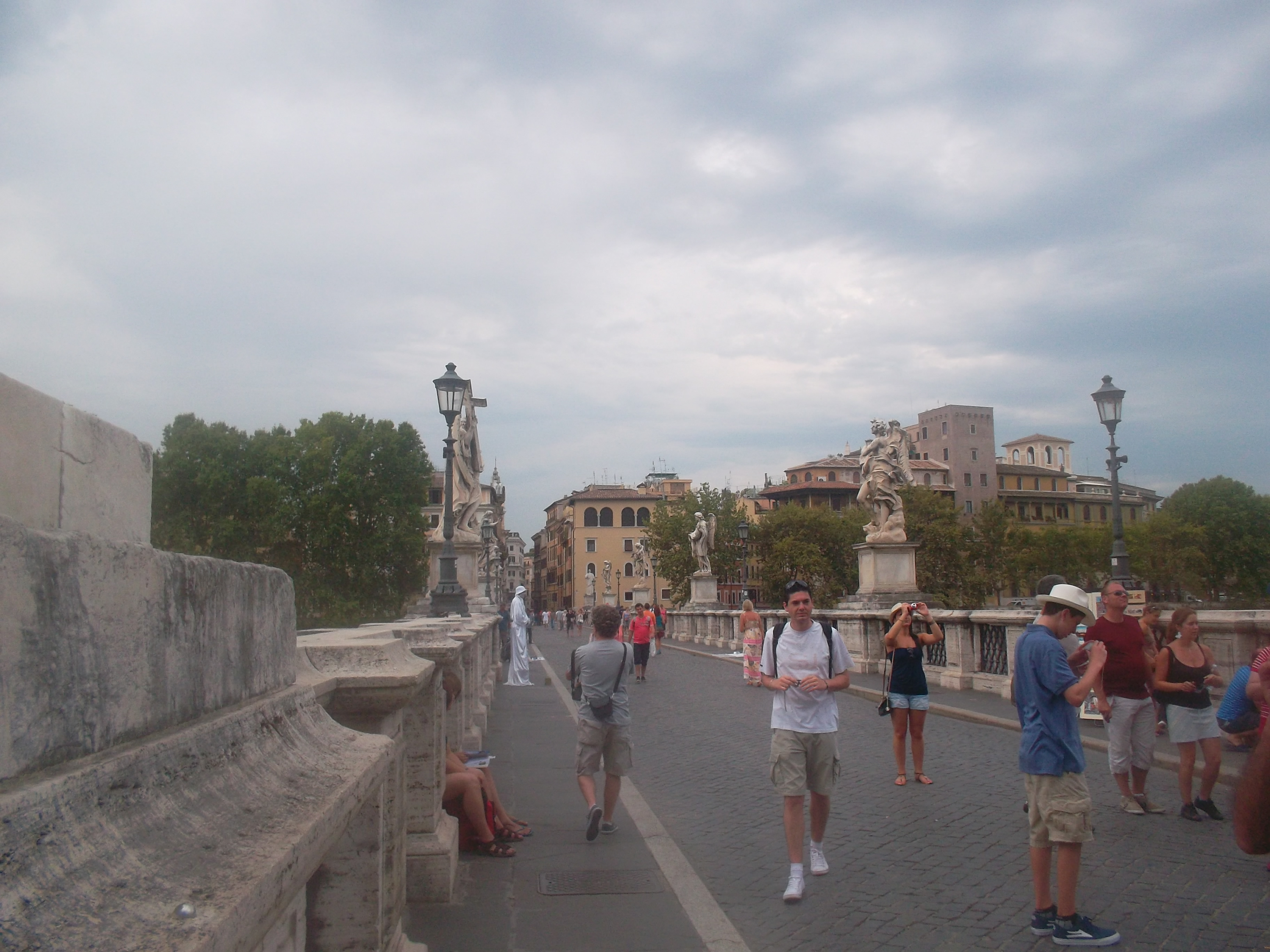 roma castel st angelo ponte st angelo aug13