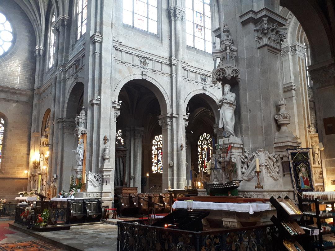 Ste Anne d Auray Bas Ste Anne altar left side may21