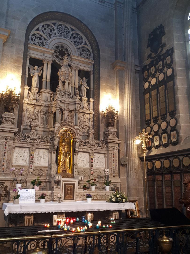 Ste Anne d Auray Bas Ste Anne chapel ste anne et mary may21