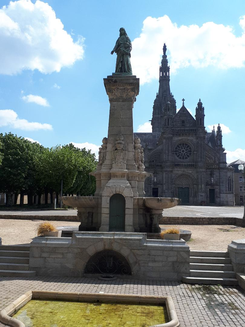 Ste Anne d Auray Bas Ste Anne fountain ste anne may21