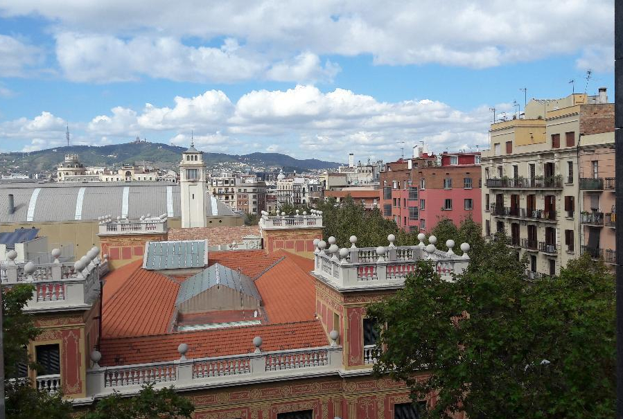 barcelona-crown-plaza-hotel-view-of-city-from-4-floor-oct18