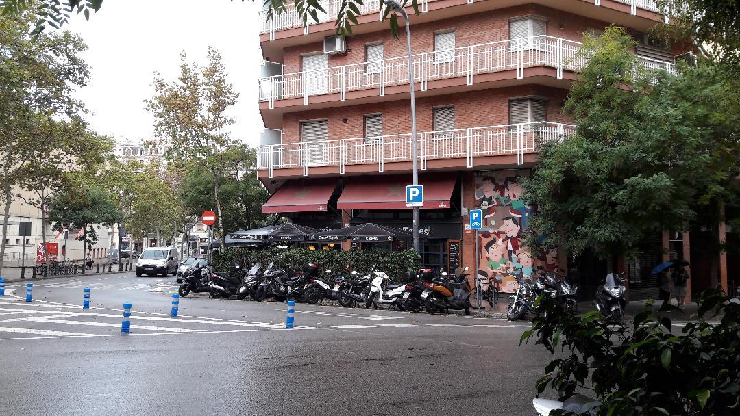 barcelona-la-canota-de-tapes-restaurant-arriving-oct18