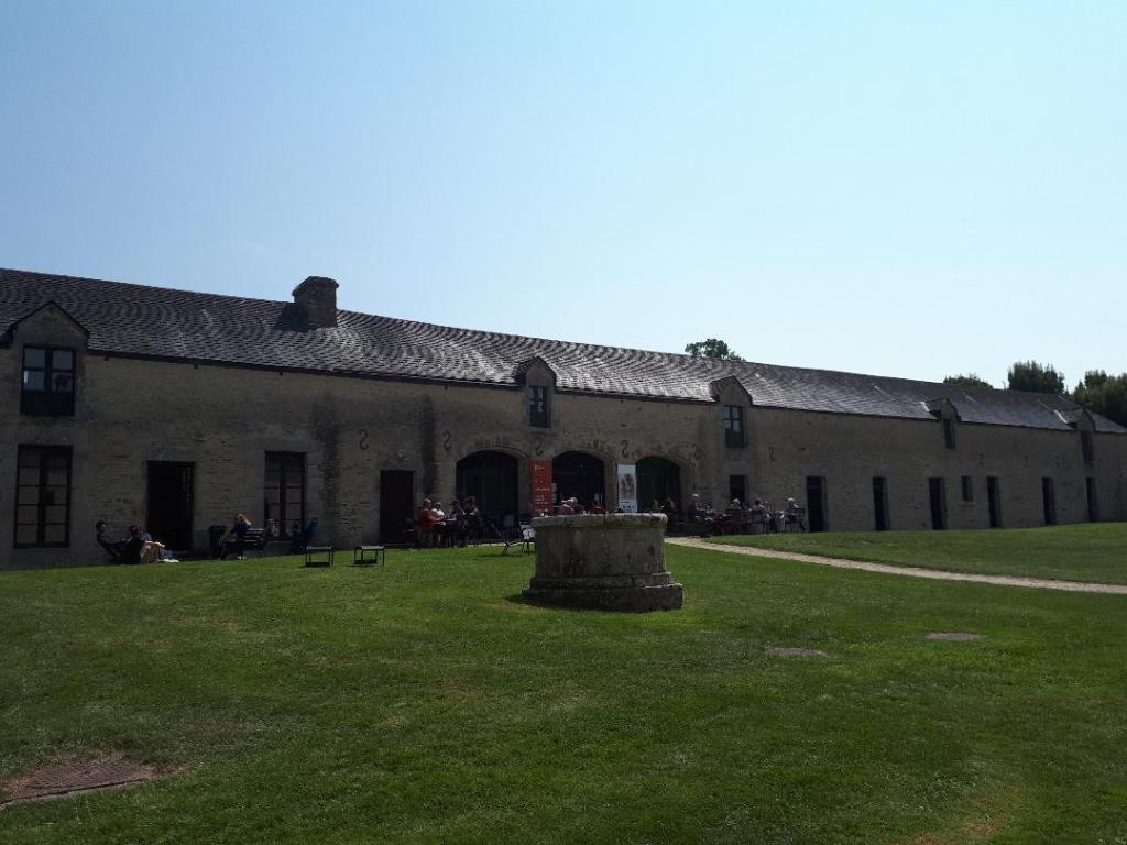 bignan-kerguehennec-cafe-on-old-stables-aug18