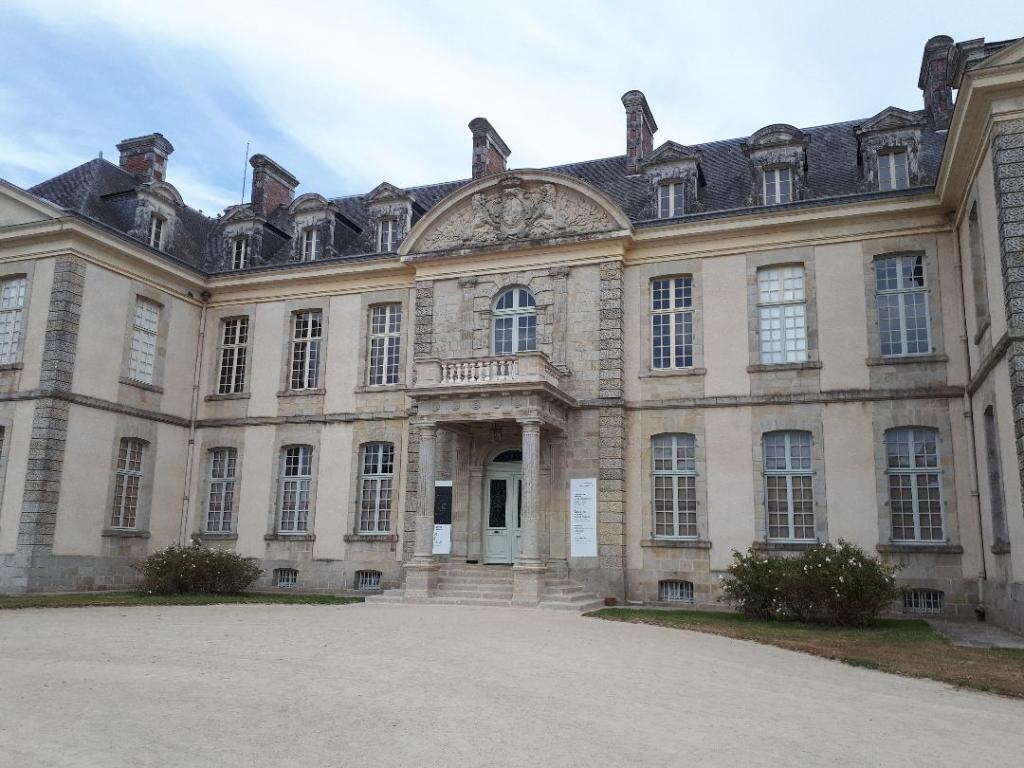 bignan-kerguehennec-castle-front-door-sep18