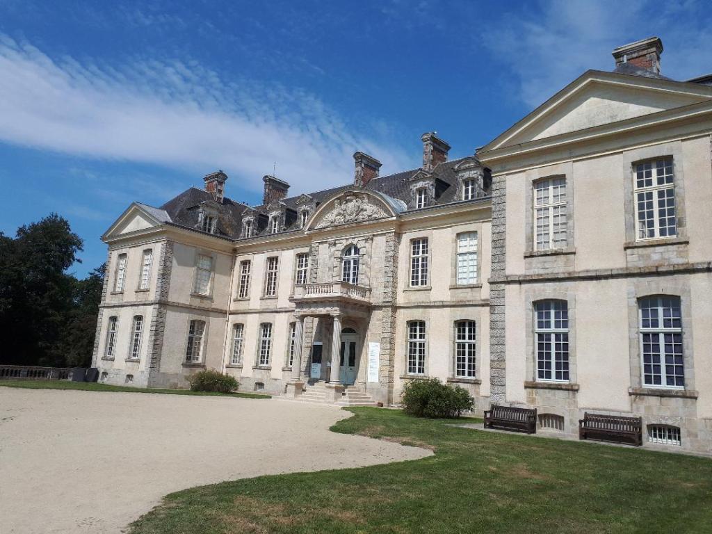 bignan-kerguehennec-domaine-main-entrance-aug18