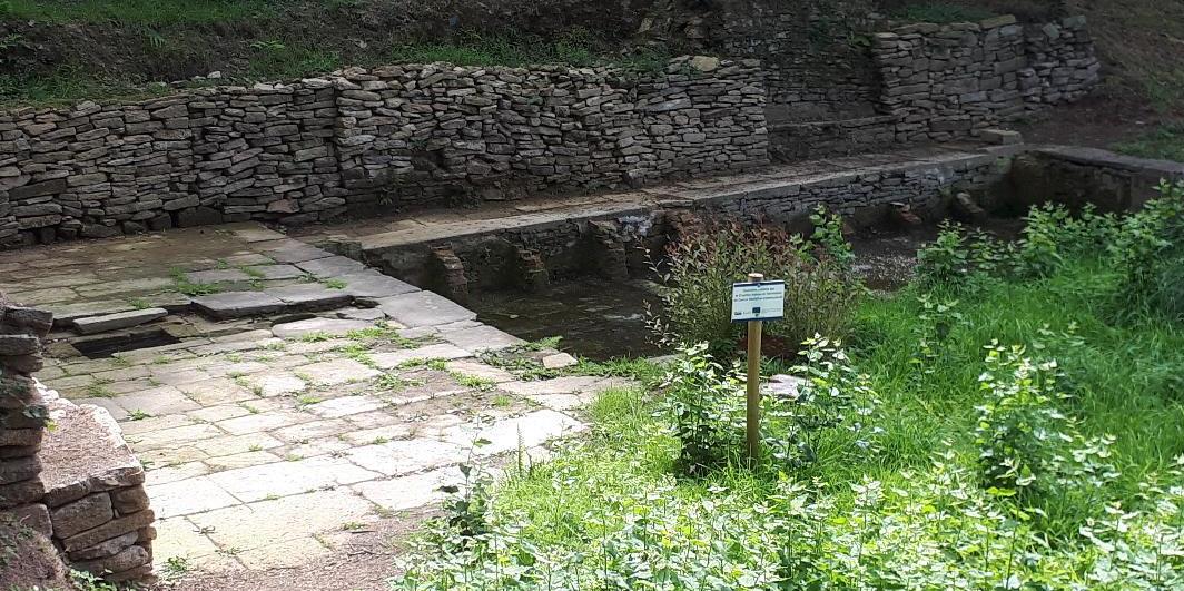 bignan-kerguehennec-lavoir-laundry-by-river-aug18