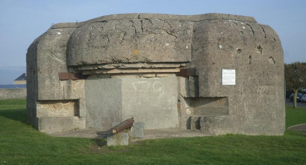 granville-pointe-du-roc-bunkers-wwii-era-nov17