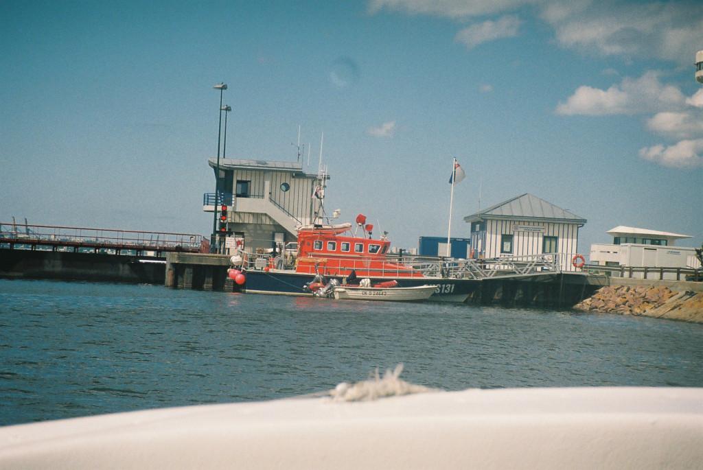 honfleur-sncm-avant-port-sauveteurs-de-mer-boat-25apr09