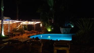 jinya-two-friends-pool-to-room-16-area-apr18