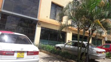 kampala-mackinnon-suites-arriving-checkin-apr18