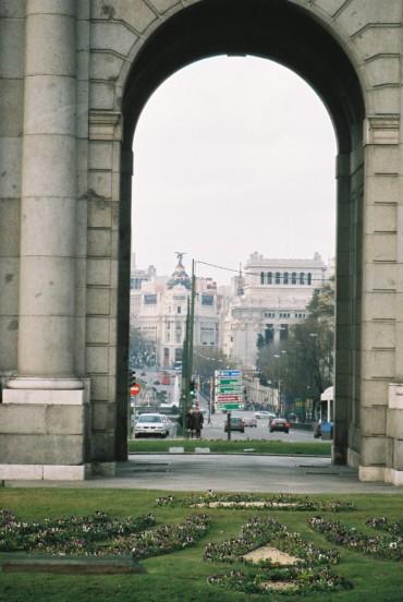 mad-puerta-de-alcala-to-the-metropolis-bldg-in-gran-via-24jan10