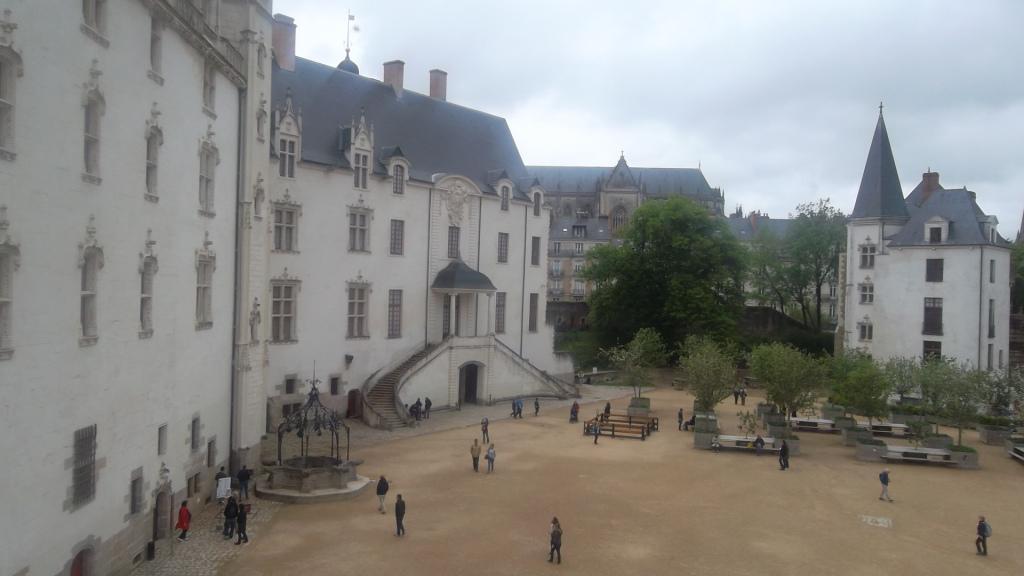 nantes-castle-dukes-courtyard-my13