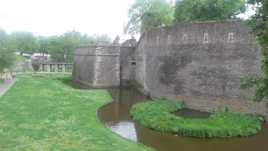 nantes-castle-dukes-ramparts-fosses-my13