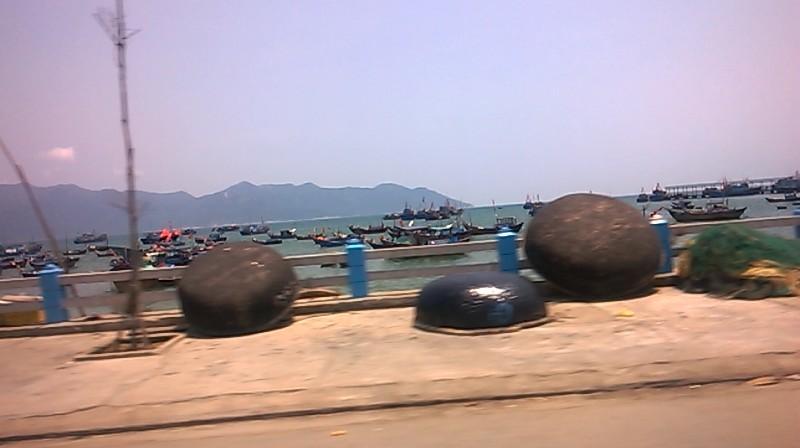 nha-trang-fishing-harbor-mar16