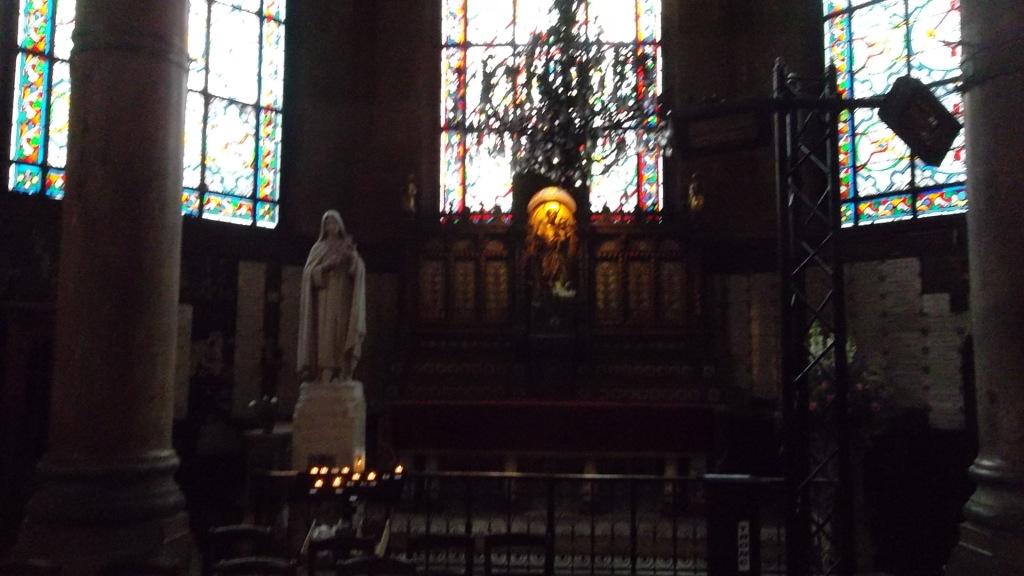 paris-church-st-augustin-chapel-mar13