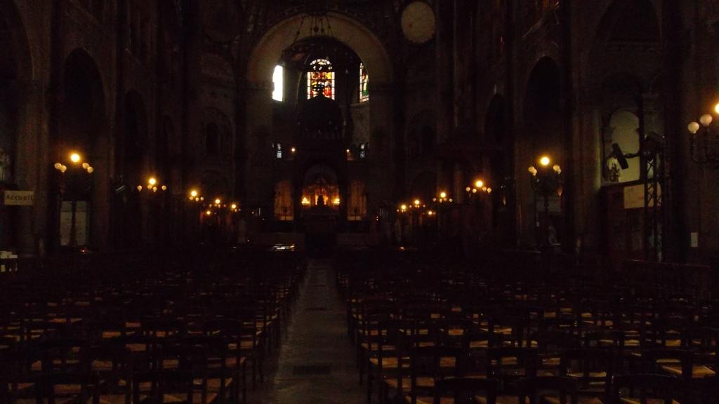 paris-church-st-augustin-nave-mar13