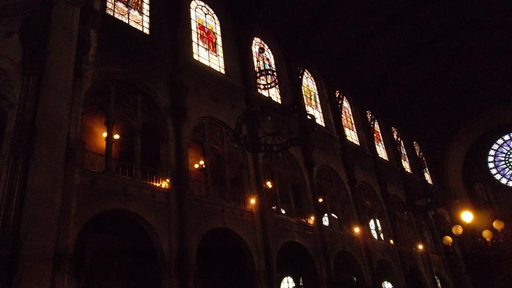 paris-church-st-augustin-wall-glass-mar13